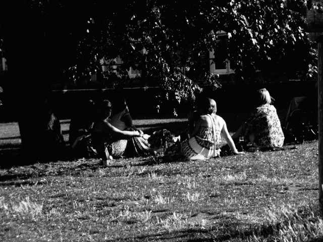 Ladies enjoying wine under a shade tree on Jesus Green on the River Cam. Just north of Jesus College.